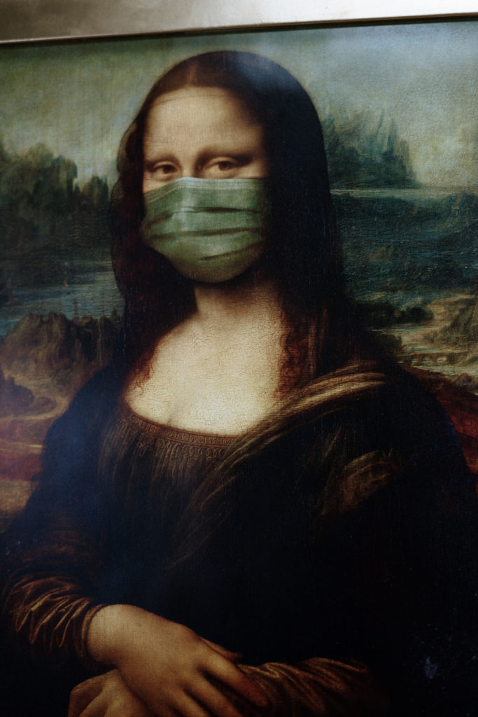 mona lisa wearing a mask to protect from coronavirus covid 19